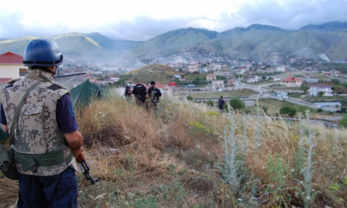 """Albanian police fully """"invades"""" the stronghold of drugs, Lazarat"""