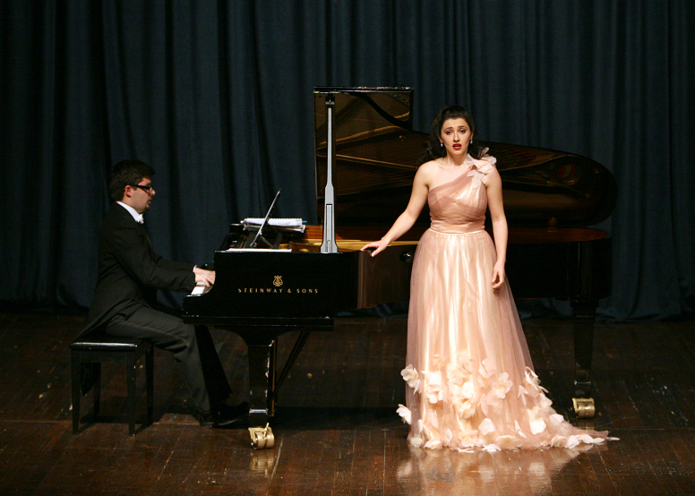 Elbenita Kajtazi gets on the Philharmonic stage of Berlin