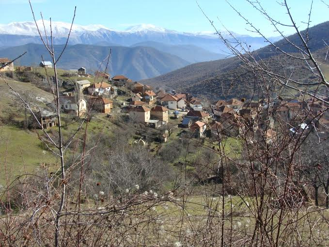 Macedonian villages being deserted