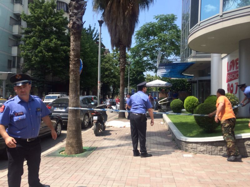 A young woman tragically dies in a rich area of Tirana