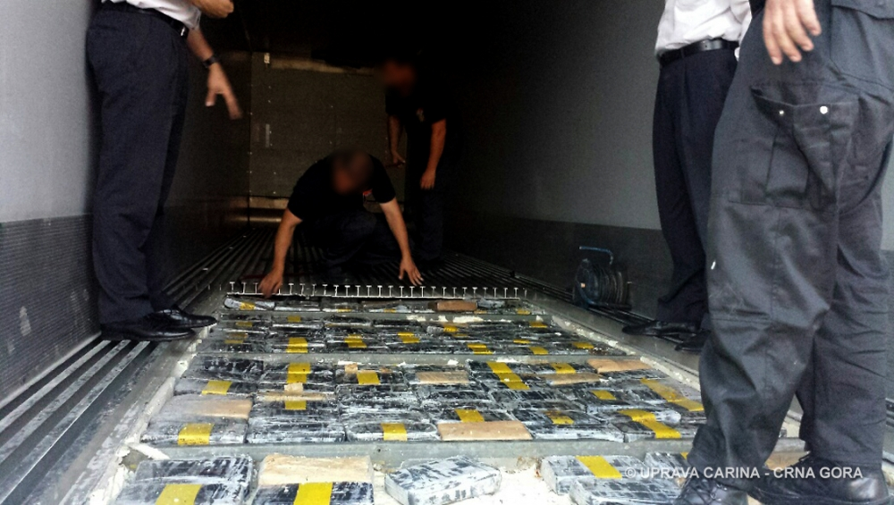 Two hundrend and fifty kilograms of cocaine seized in the port of Bar