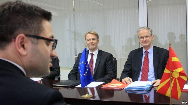 """EU """"reserved"""" on Skopje"""
