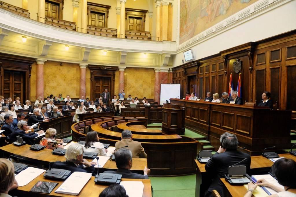 Serbian government dismisses heads of public enterprises