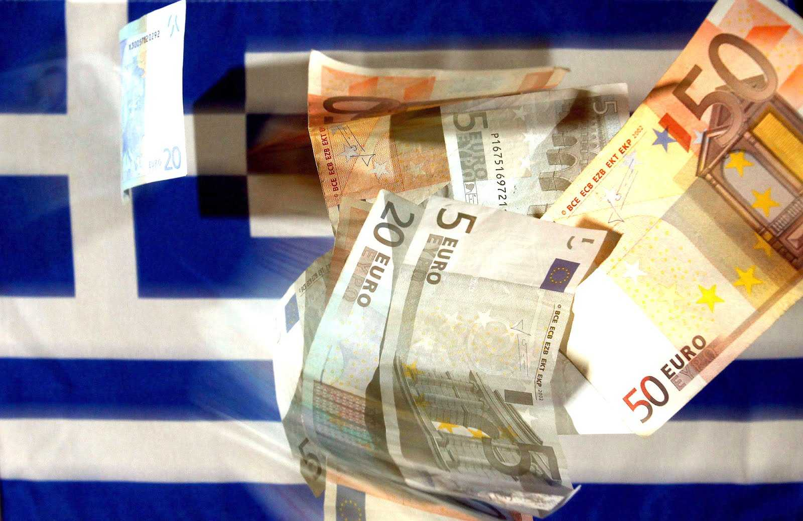 Wages in Greece continue their downward spiral