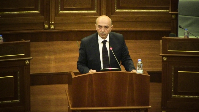 Constitutional Court suspends Isa Mustafa from the position of the speaker of parliament