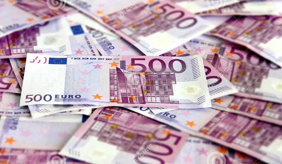 Government sells Eurobonds, debates and criticism are triggered