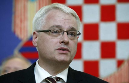 Josipovic to offer Croatian citizens referendum for revision of the Constitution