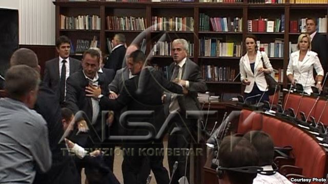 Physical clash between Albanian MPs in FYROM (VIDEO)