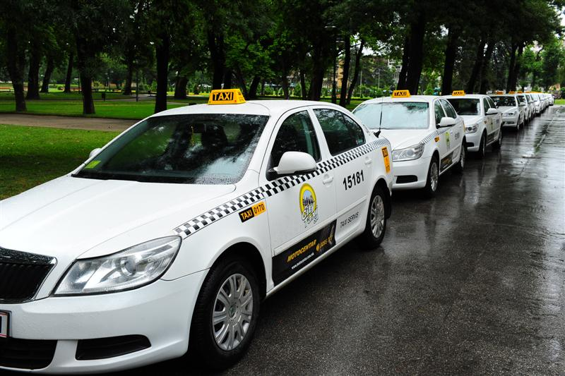 City of Skopje obliges cabs to learn the English language