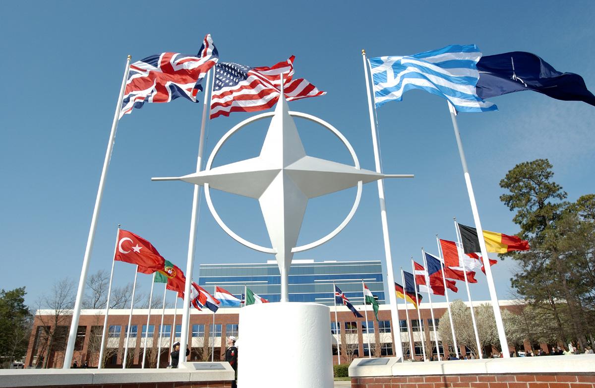 Romania seeks NATO permanent military presence