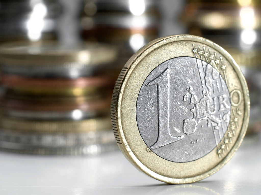 BoG: Surplus of €1.4 billion current account balance in June