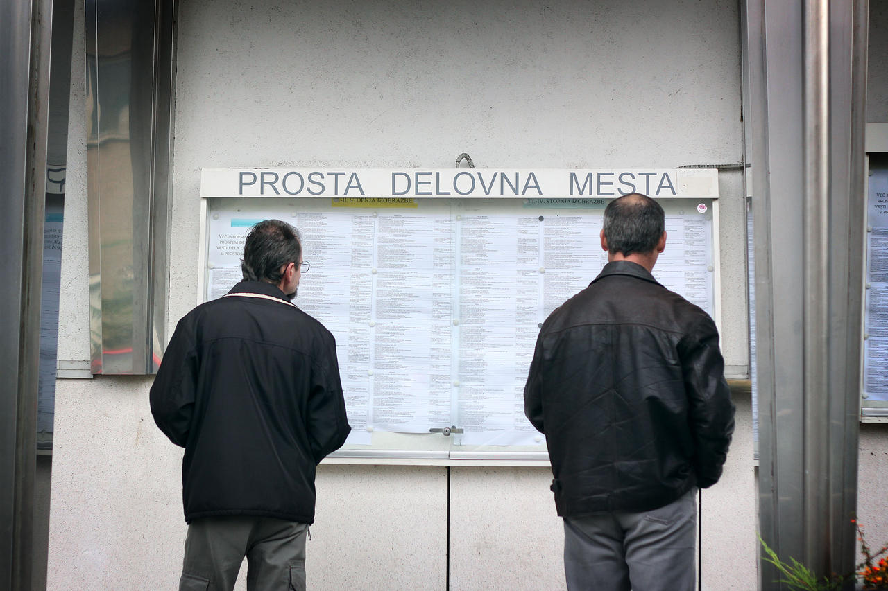 Registered unemployment rate in Slovenia continues its downward trend