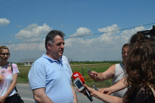Kosovo's minister of Infrastructure satisfied with the works taking place in Pristina-Skopje highway