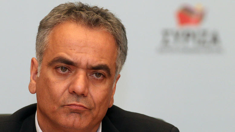 SYRIZA asks why news of latest law on media mergers was not broadcast by TV channels
