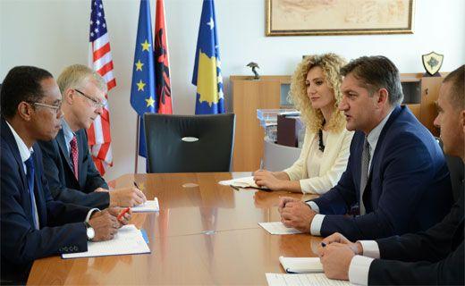 Kosovo's Finance minister receives the new IMF representative Frank Lajkwik