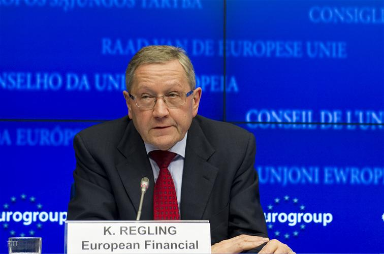 Klaus Regling: The greek debt is viable, it does not need a 'haircut'