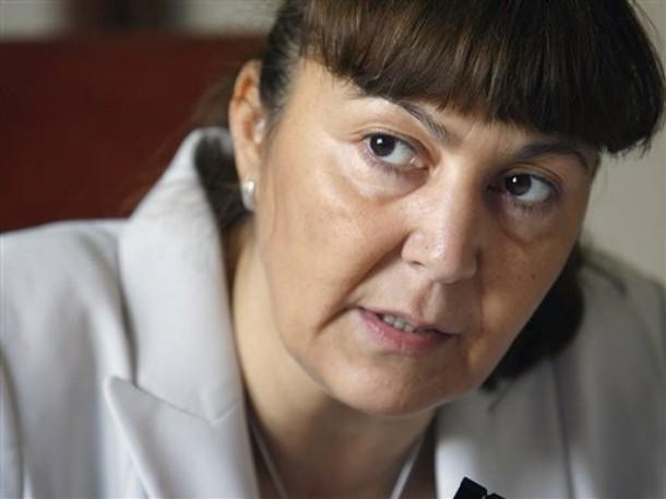 Romanian presidential runner seeks referendum on lawmakers' immunity