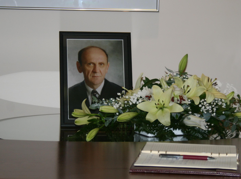 Bosnia and Herzegovina pay tribute to Sulejman Tihic