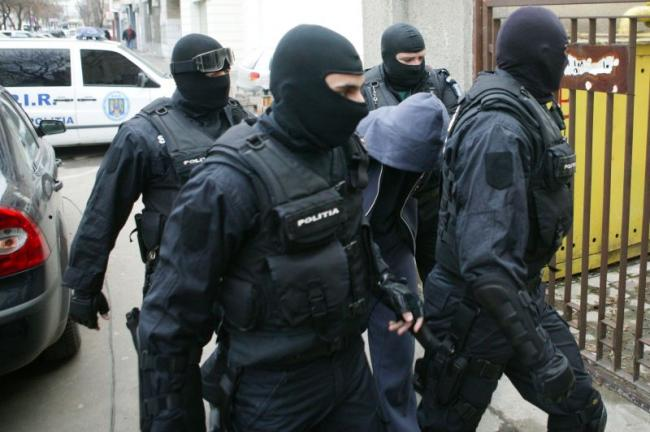 Romanian police dismantles fake money network run by La Camorra