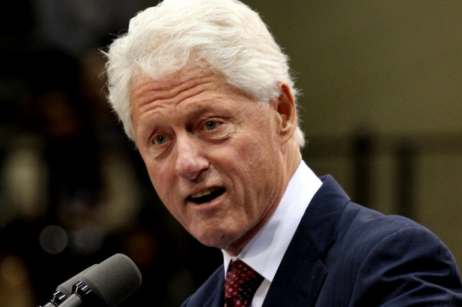 Clinton: Greeks work 25% more than the Germans