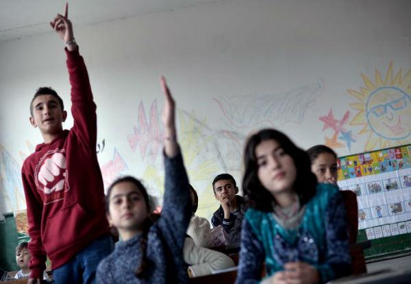 Refugee children barred from Bulgarian village still not placed in school