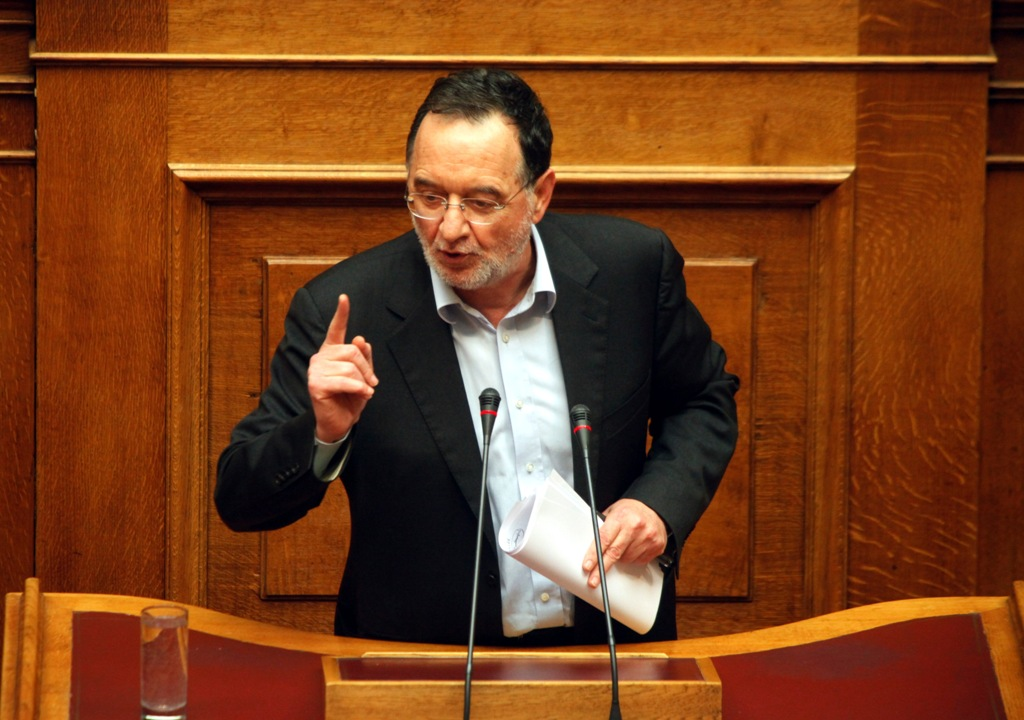 Lafazanis: 'SYRIZA will immediately cancel the Memoranda'