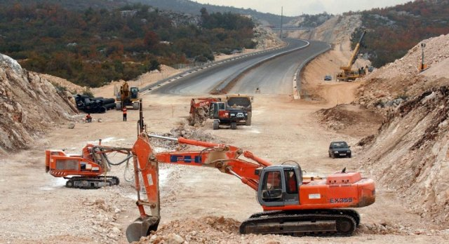 Montenegro: Chinese Exim Bank approves loan for Bar-Boljare highway's priority section