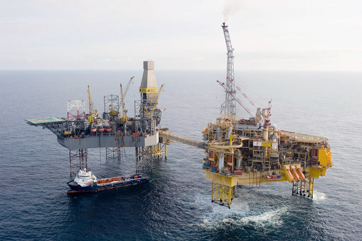 Greek Parliament passes the first three contracts for oil exploration