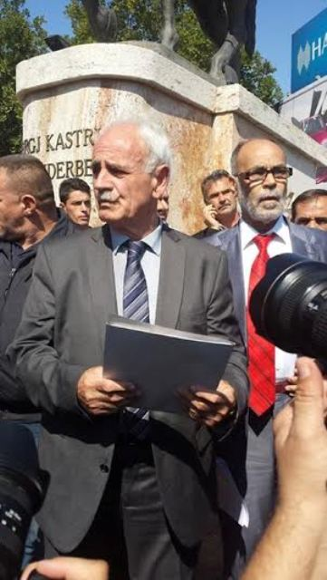 Veterans of Albanian politics proclaim the so called Republic of Ilirida