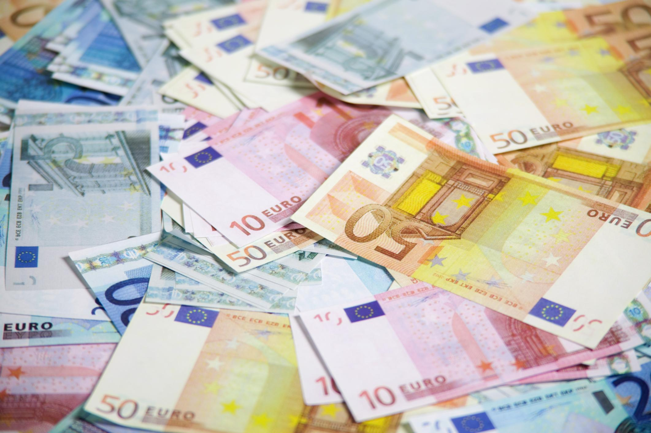 At EUR 44.6 bn stood the borrowing of greek banks by the ECB in August