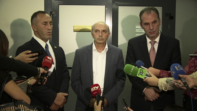 Opposition bloc does not give up on the speaker of parliament