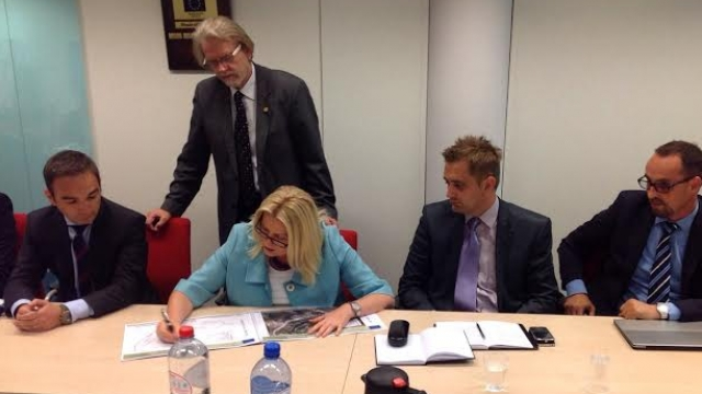 Agreement is signed in Brussels for the permanent buildings of IBM