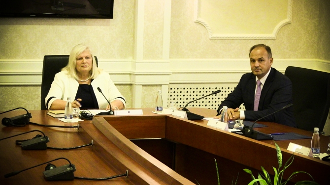 Constitutive session of the parliament of Kosovo to continue on September 12