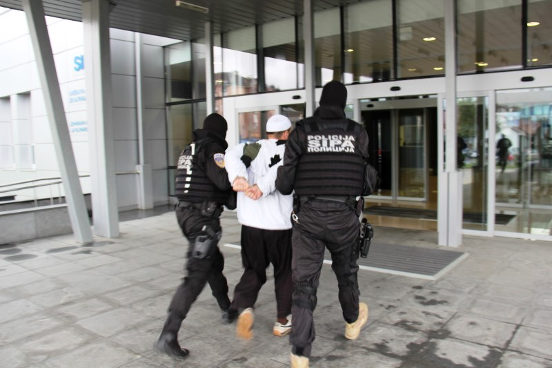 Sixteen suspects arrested in anti-terrorist operation in Bosnia and Herzegovina
