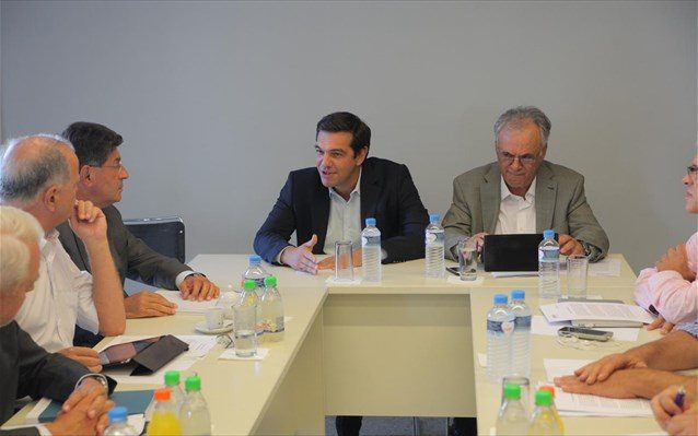 """Tsipras and SEV agreed on """"exit plan"""" out of the crisis"""