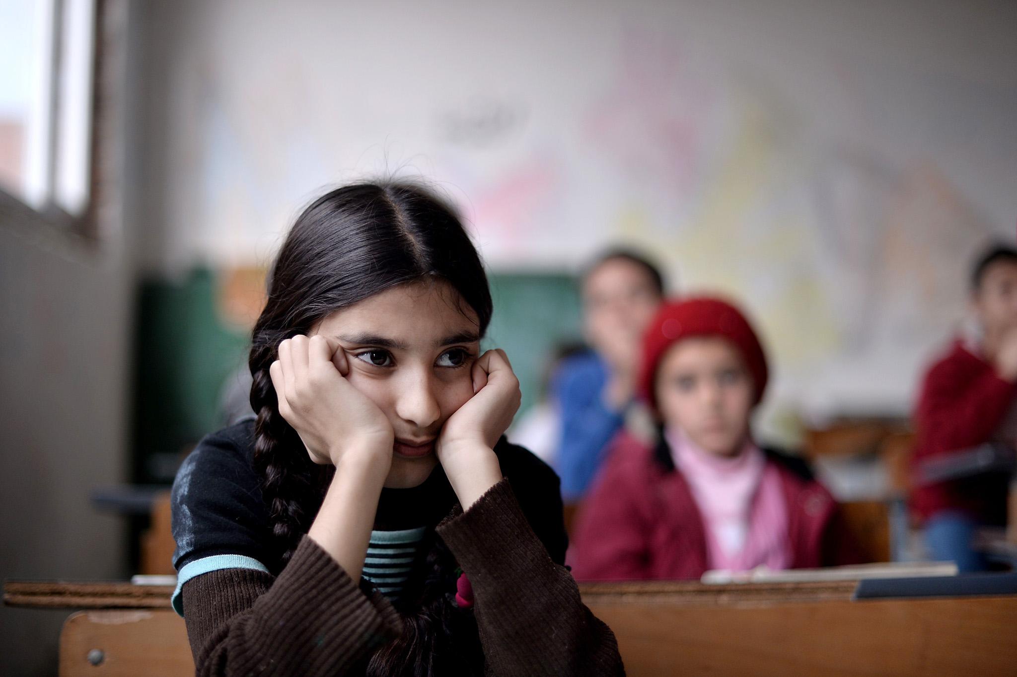 'Absurd obstacles' stop refugee children attending Bulgarian schools – report