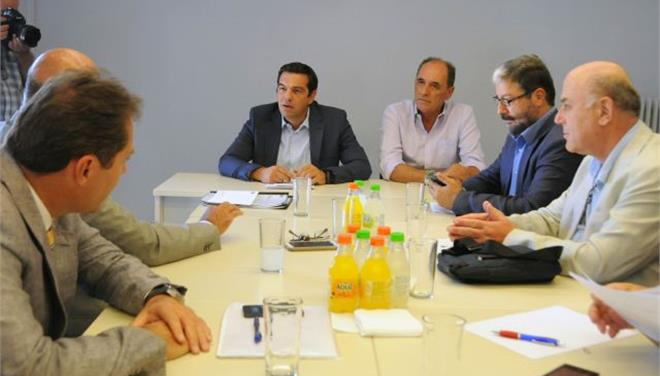 SYRIZA opposes privatization of regional airports