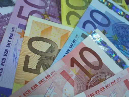 BiH citizens believe in Euro