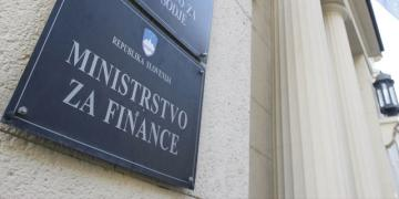 Slovenia issues EUR 1bn bond securing 2.4% yield