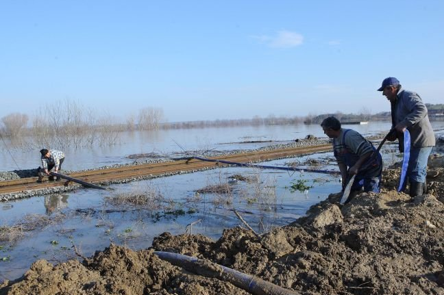 Greece: Evros was declared in a state of alert as the water level exceeded the safety threshold