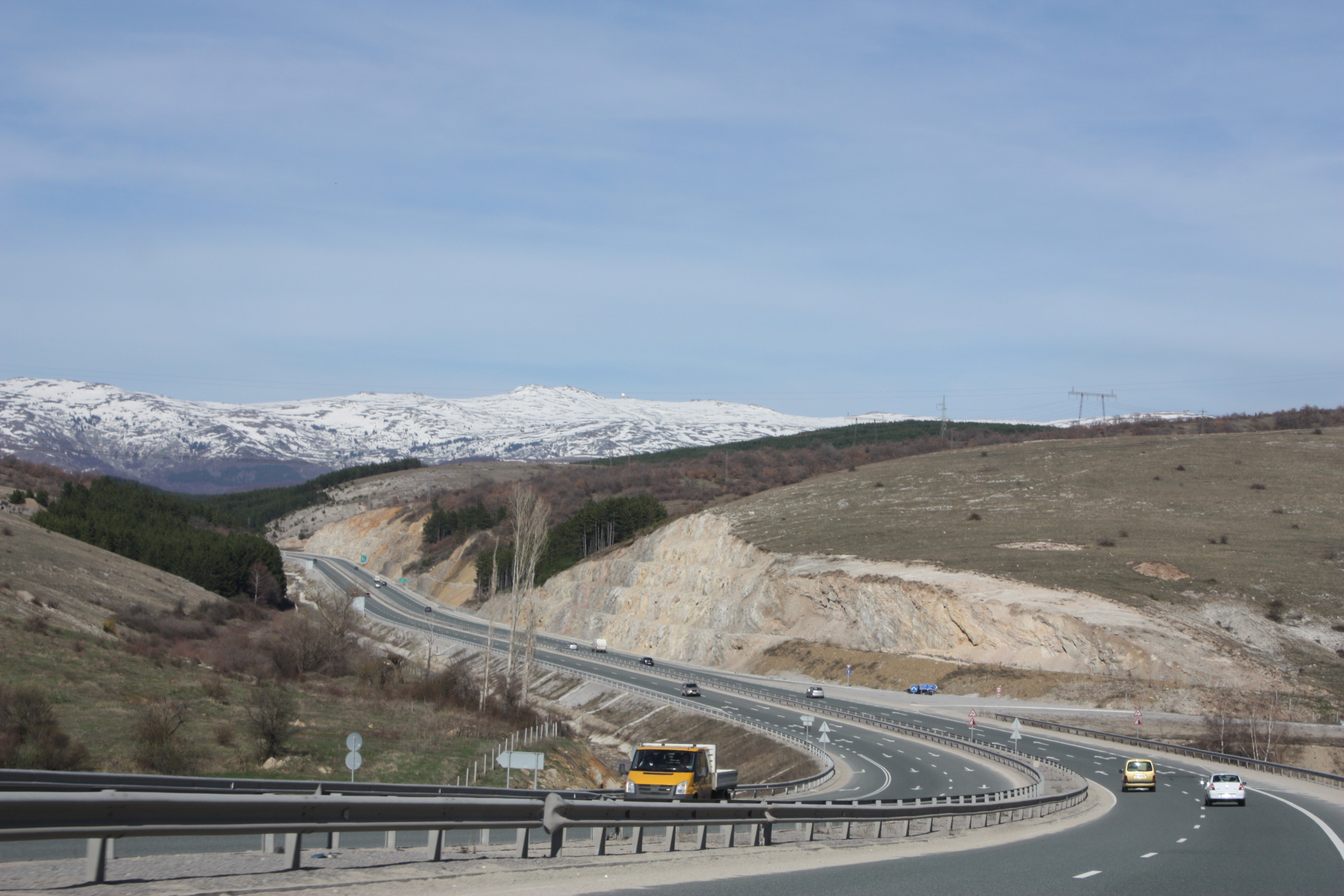 Bulgaria's road agency seeks new builder for section of Struma Motorway after axing Greek company