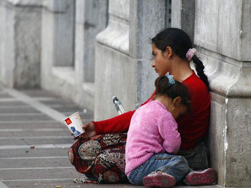 More than 2,000 children beggars in BiH , warns UNICEF