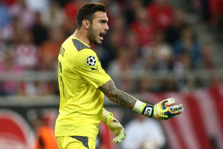Roberto included in UEFA's top eleven