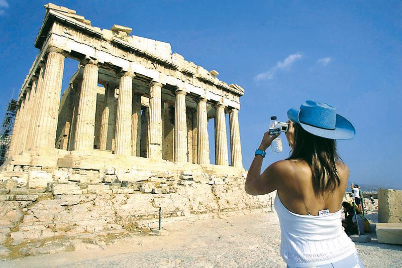 4.88 million tourists visited Greece between January-August 2014