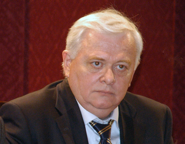 Romanian ruling party's key member resigns from Parliament amid corruption investigation