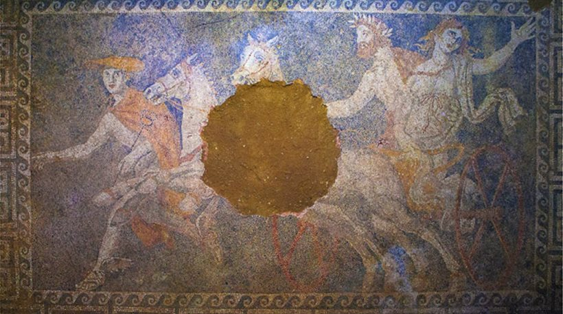 National Geographic: A woman is buried in Amphipolis