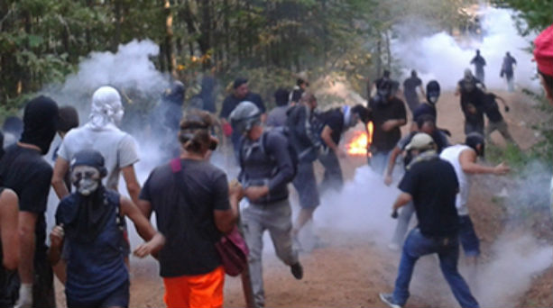Tension between protesters and police in Skouries of Chalkidiki