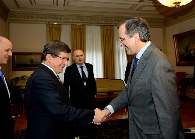 Davutoglu to visit Greece on December 5-6