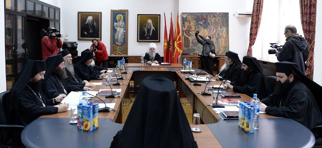 Religious clerics are in favor of a lustration process within their ranks