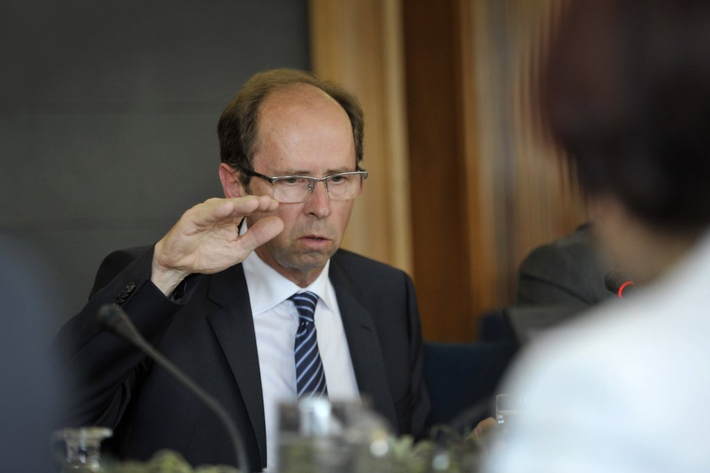 Slovenian FinMin urges unionists to accept the revised austerity measures